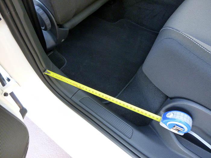 Volkswagen Golf Sportsvan. Acceso posterior. Espacio para los pies.