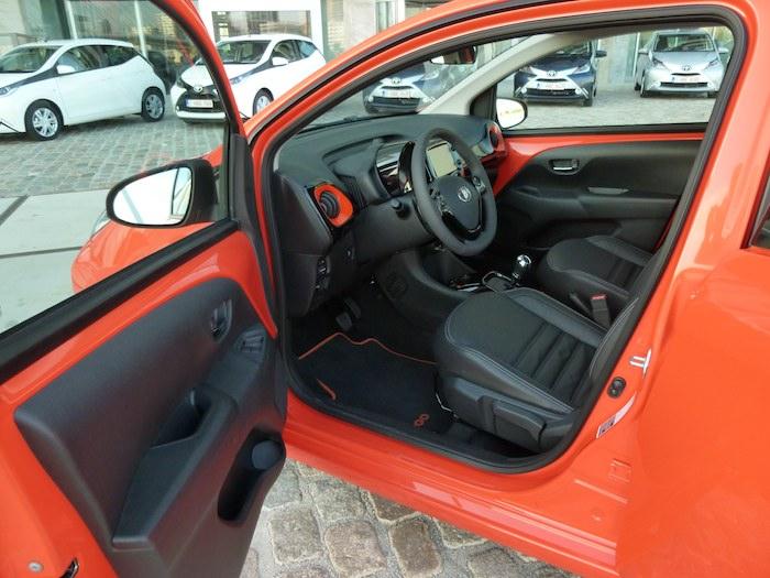 Toyota Aygo x-cite (2015). Interior