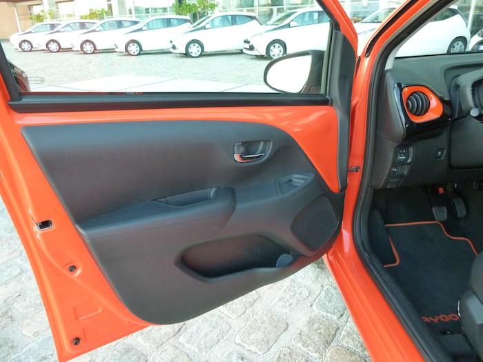 Toyota Aygo x-cite (2015). Puerta conductor