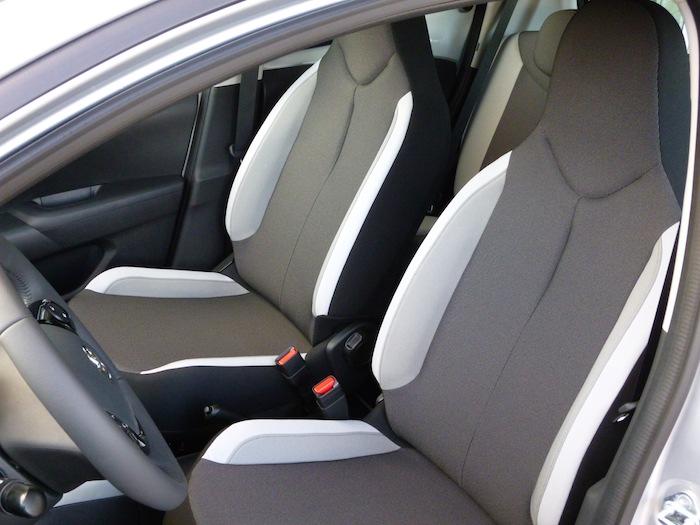 Toyota Aygo (2015). Tapiceria. Asientos