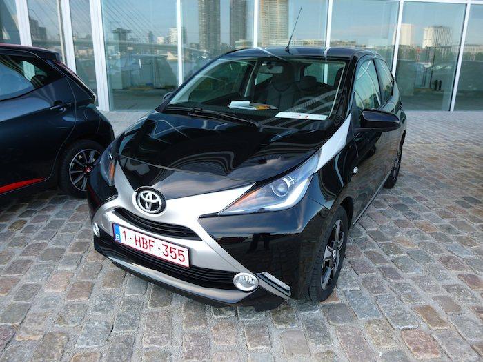 Toyota Aygo (2015). Negro y plata