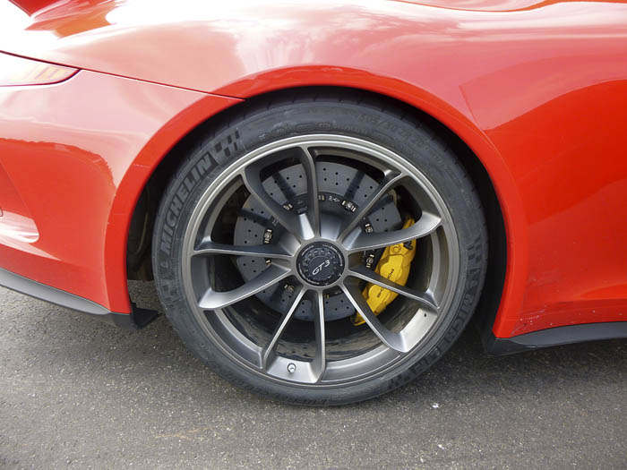 Porsche 911 GT3. Rueda posterior. 305/30 20