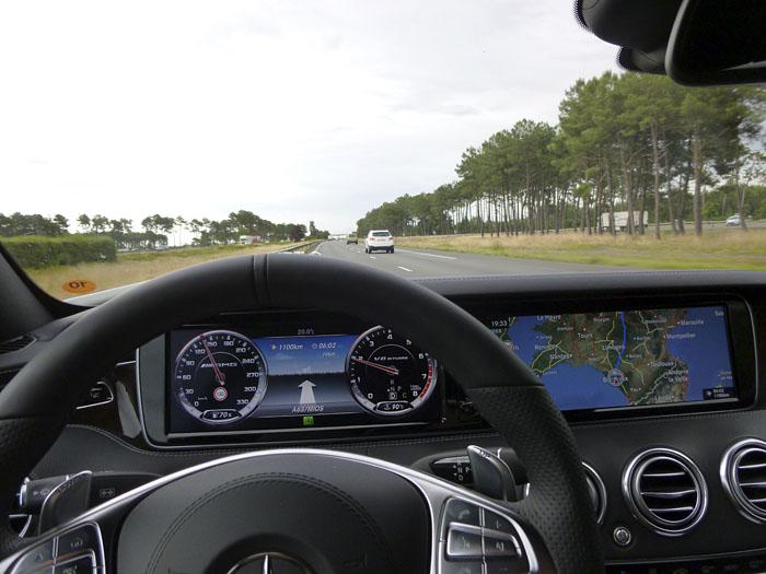 050-Mercedes-Benz-navegador