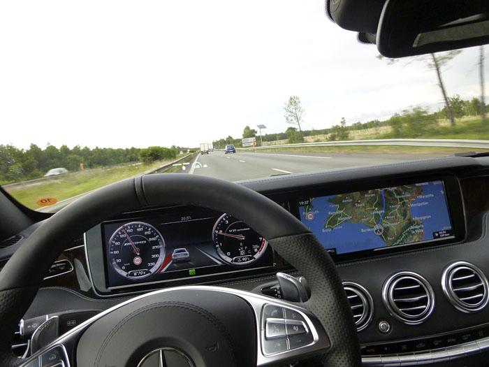070-Mercedes-Benz-alka-actua