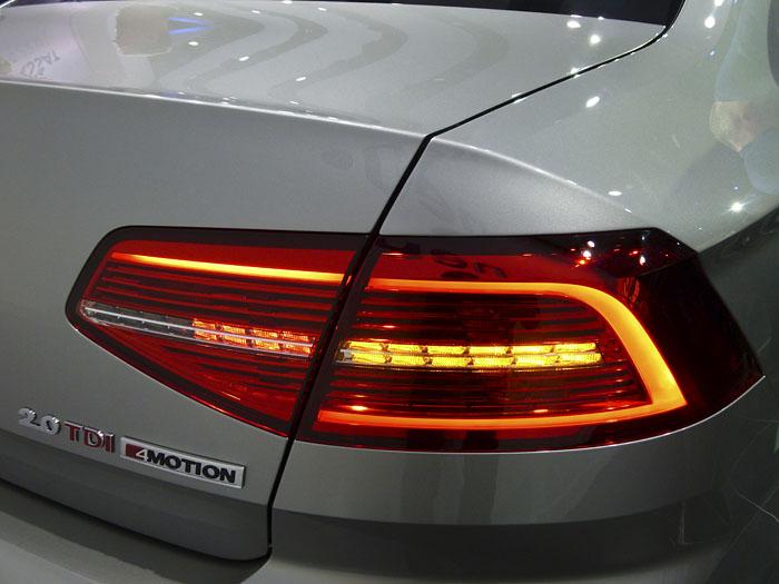 Presentación Volkswagen Passat 2015. Piloto intermitente