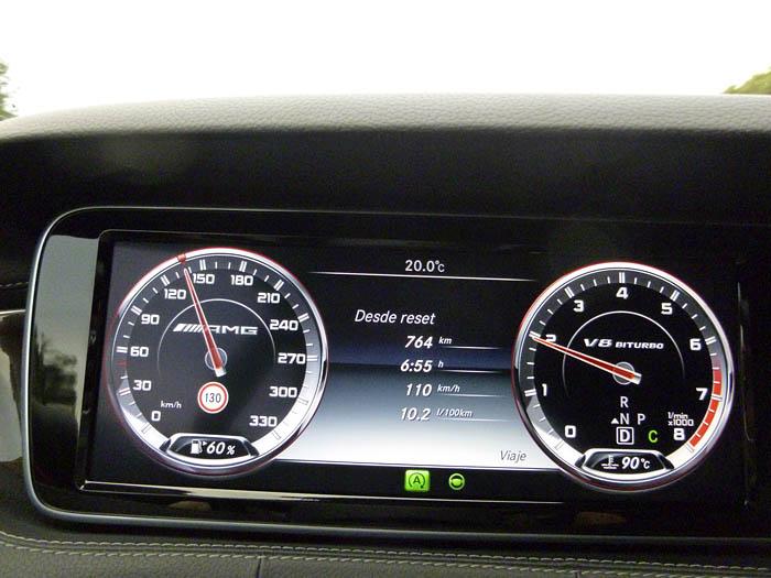 080-Mercedes-Benz-ordenador