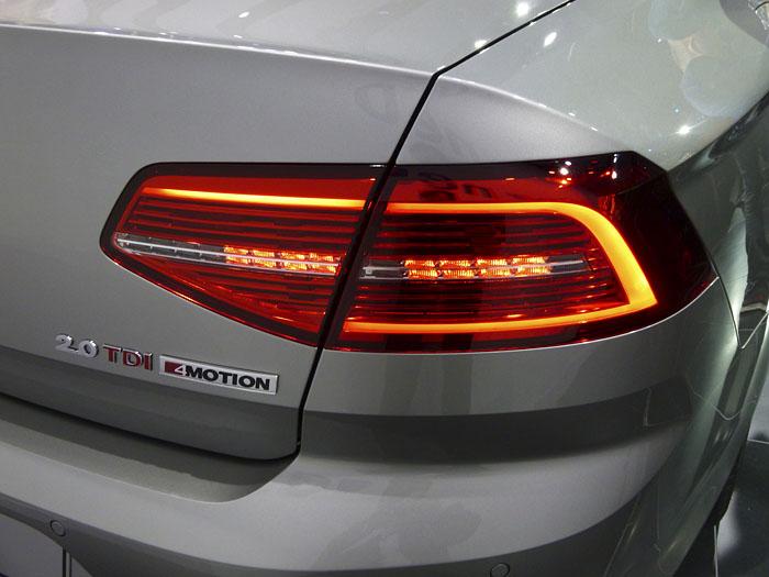 Presentación Volkswagen Passat 2015. Piloto, luz de posición