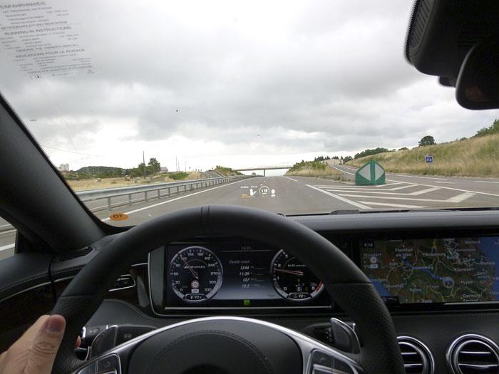 120-Mercedes-Benz-HUD