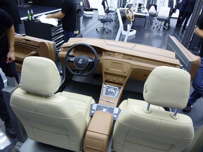 Presentación Volkswagen Passat 2015. Salpicadero de arcilla