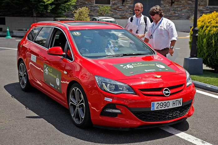 El poderoso Opel Astra 2.0-CDTI Bi-Turbo, a pesar de los esfuerzos de David Ayala, tuvo el consumo más alto de los diésel (lógico); pero además, los 14 minutos de penalización acabaron de echarle para atrás.