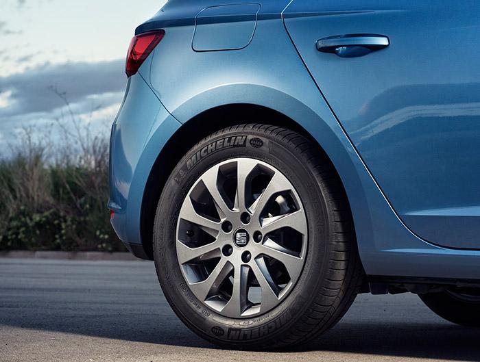 """La llanta de 16"""" parece ser específica para esta versión (el tiempo lo dirá); en cuanto al neumático, el Michelin Energy Saver es una elección muy razonable, aunque se puede ir más lejos (ver futura prueba)."""