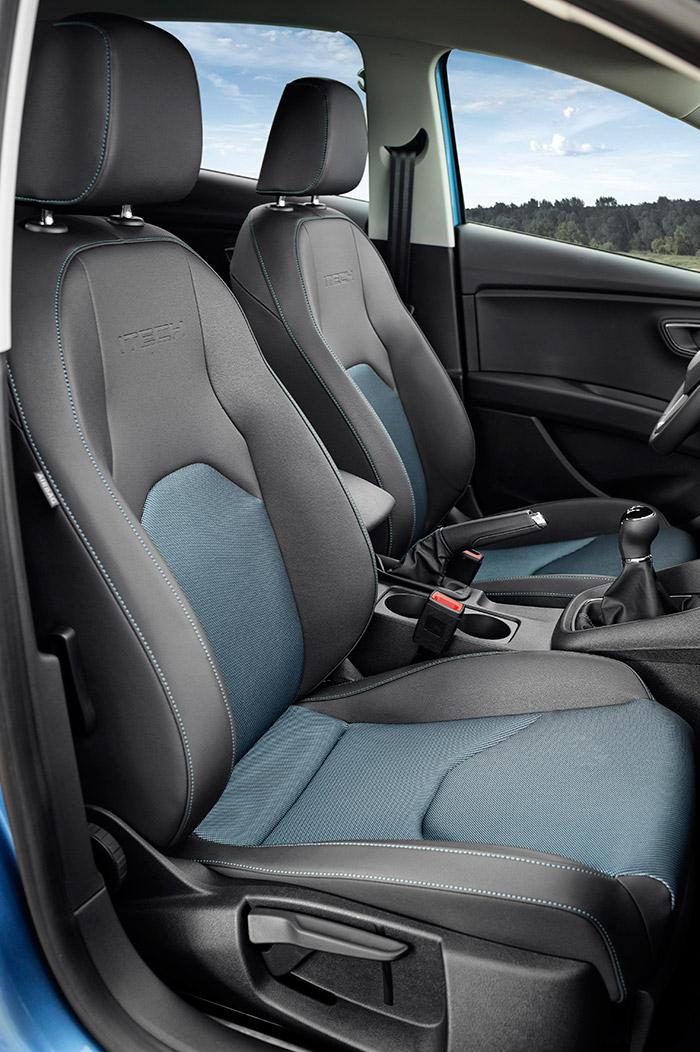 Todos los reglajes de los asientos son manuales, para eliminar peso, pero permiten acomodarse perfectamente a conductor y acompañante.