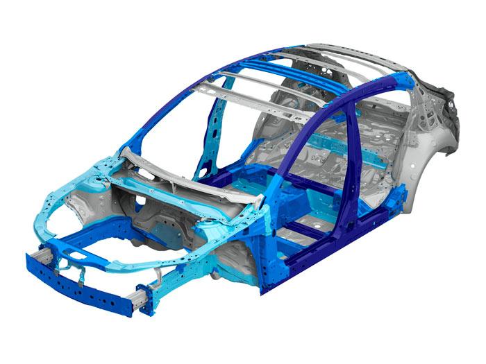 También de nuevo la estructura del monocasco, correspondiente al Hatch. Lo cierto es que el Mazda-3 resulta ligero para su tamaño; la marca lleva años trabajando en serio el tema del peso.