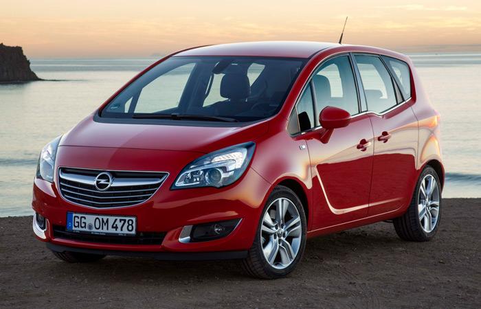 Aunque también tiene un SUV (graciosamente cedido por Chevrolet/Daewoo), Opel es una de las pocas marcas que pone más énfasis, con este Meriva y su hermano mayor el Zafira, en el campo del monovolumen.