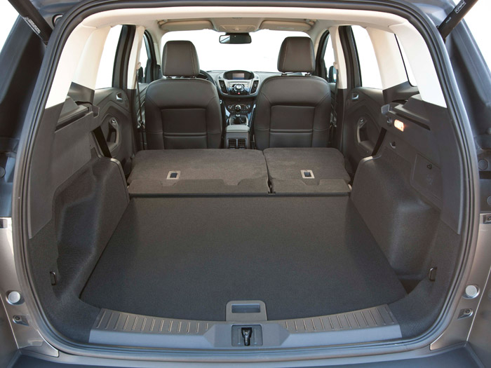 Como en todos los coches que comparten este tipo de carrocería, la modularidad trasera permite una enorme capacidad de carga cuando se convierten en dos plazas.