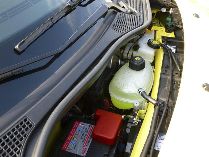 Renault Twingo 2015. Líquidos rellenables y batería