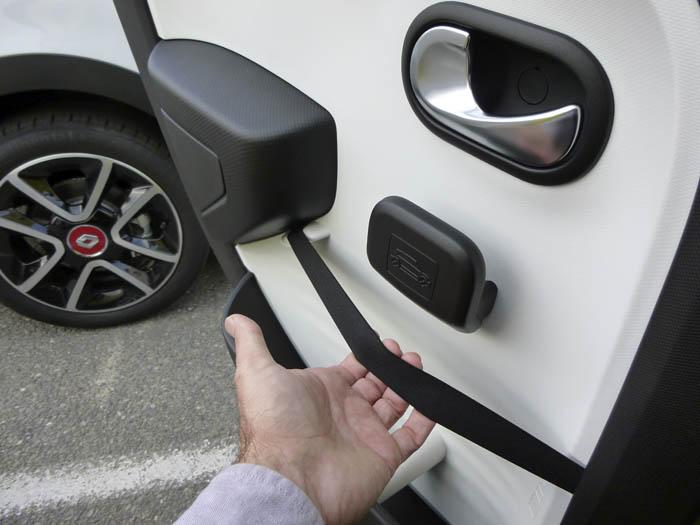 Renault Twingo 2015. Detalle puerta posterior.