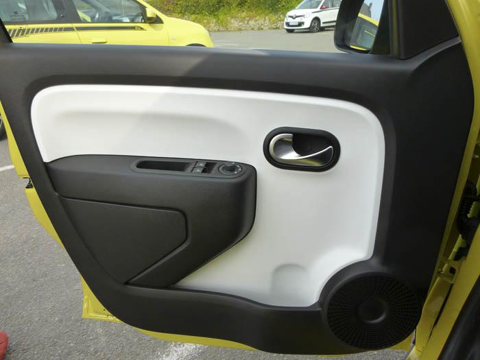 Renault Twingo 2015. Detalles del interior.