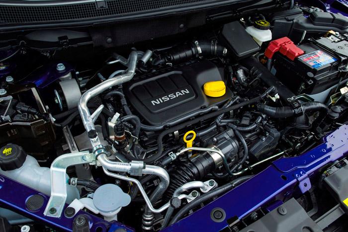 """La cantidad de componentes y accesorios que encuentran acomodo bajo el capó de un vehículo moderno supera el concepto de """"vano motor""""; no sólo porque aloja muchas más cosas, sino porque el motor en sí se queda un tanto miniaturizado frente al conjunto."""