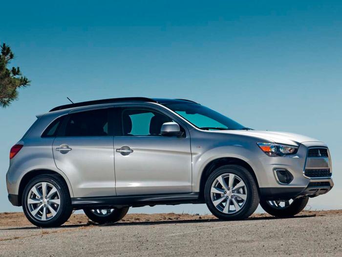Con 4,30 metros justos de longitud, el ASX es el SUV más compacto de la categoría de tamaño medio. Por lo demás, su diseño sigue las bastante estrictas normas que rigen la estética de estos modelos.