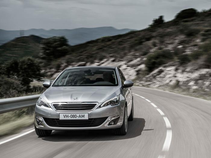 Parece ser que, finalmente, Peugeot ha dado con el diseño corporativo de frontal para sus turismos, unificando el del 208, 308 y el nuevo 508.