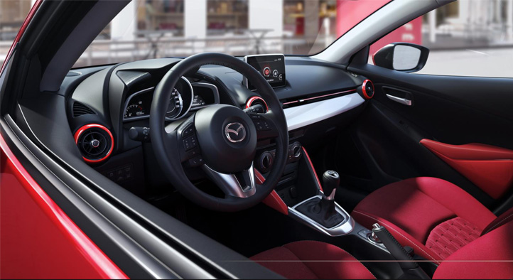 Mazda2 Interior Design. Diseño interior. Red. Rojo.