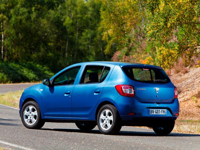 Si el logo de Dacia nos lo convierten en el rombo de Renault, tenemos el Sandero fabricado en Brasil para el a ratos pujante Mercosur; y éste, y no otro, es el Dacia que se exporta al resto de los mercados.