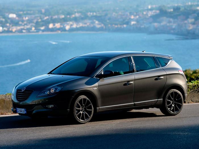 Entre hatchback 5 puertas, familiar corto o monovolumen bajo, la línea del Delta se puede encasillar en el segmento que a cada cual mejor le parezca.