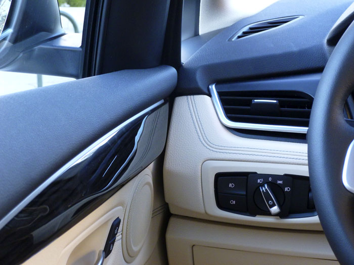 Lado izquierdo - BMW 220d xDrive Active Tourer