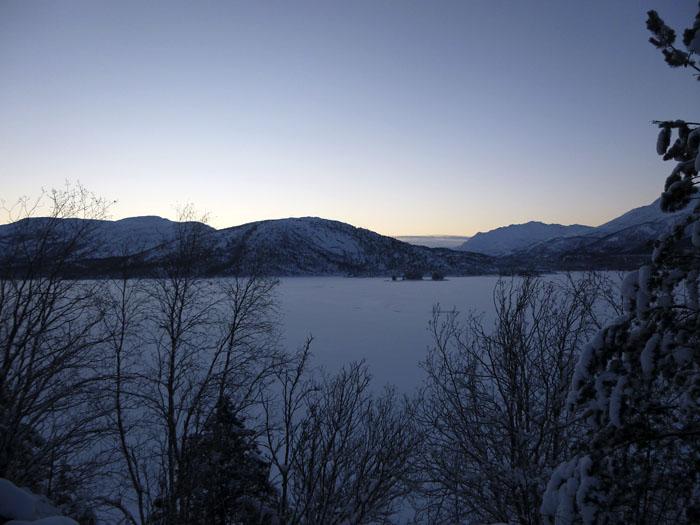 Auroras77. Noruega. Fiordos. Paisaje helado.