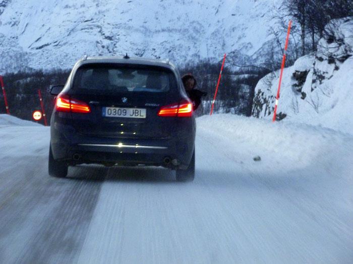 Auroras77. Noruega. BMW Active Tourer. Paisaje helado.
