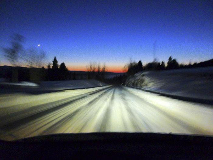 Auroras77 Nieve, frío, luna y ocaso