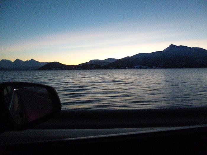Auroras 77. Noruega. Círculo Polar Ártico. Costa.