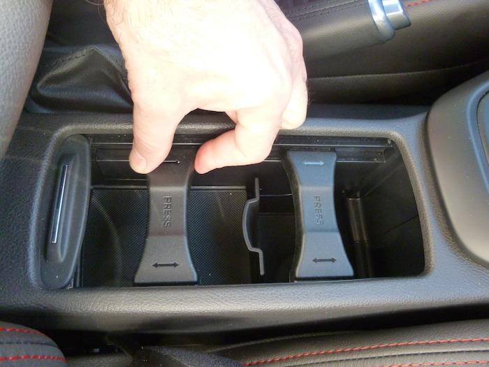 Ford Focus ST. Porta latas.