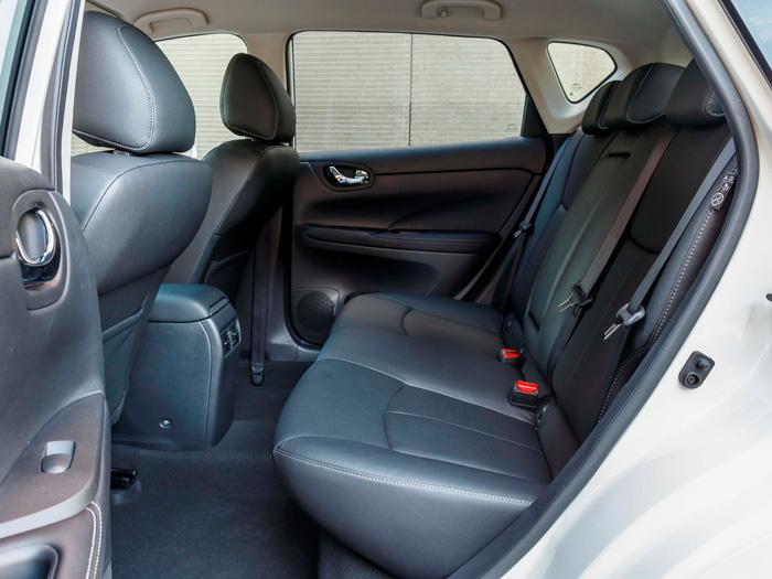 Un cierto contrasentido la tapicería de cuero en un coche que tiene en su precio un excelente reclamo (sin ignorar otras cualidades).