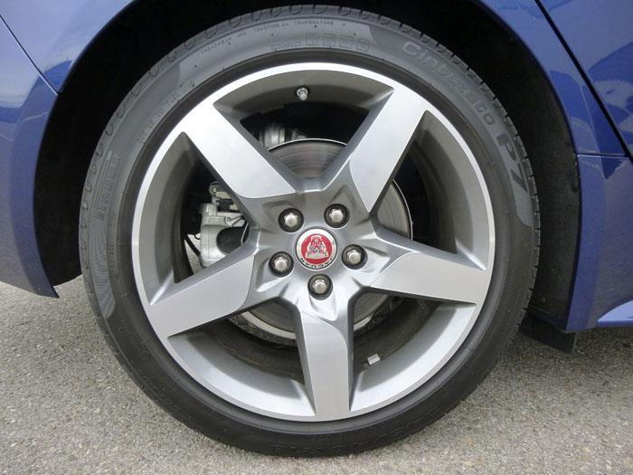 Jaguar XE. Llanta