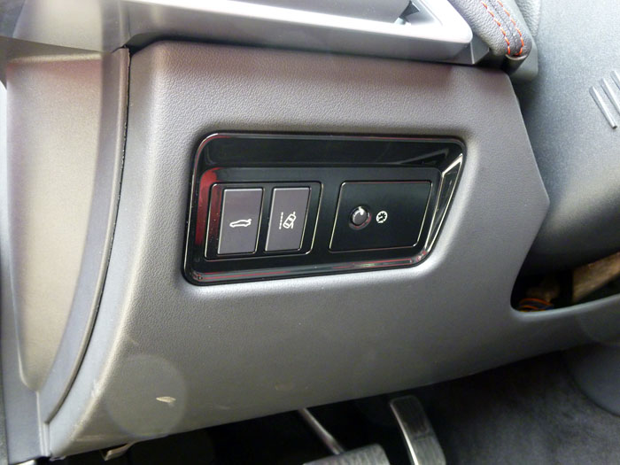Jaguar XE. Detalle salpicadero.