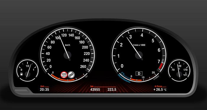 De nuevo en otro Mercedes, pero aquí con motor de gasolina (véase el cuentarrevoluciones), la temperatura del aceite está en promedio 20ºC más arriba que en el caso anterior, ya que dicha temperatura depende en gran parte del régimen del motor. Tampoco aquí hay sector rojo, aunque ver el aceite a 170ºC ya debería ser suficiente advertencia, por muy sintético que sea.