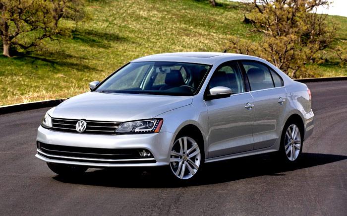Todas las fotos corresponden al modelo USA; me ha sido imposible encontrar, ya sea en las webs de VW europea o española, ninguna foto de la versión europea. No obstante, las diferencias existentes son de detalles mínimos.