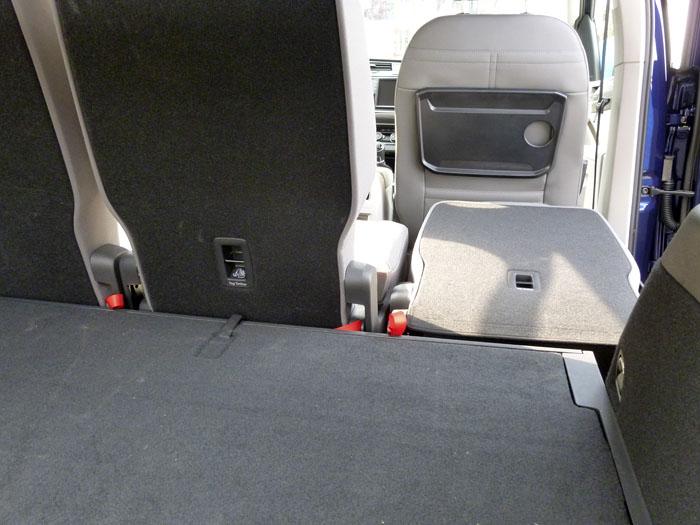 Volkswagen Touran 2016. Detalles del interior. Maletero y tercera fila de asientos (2 de 2)