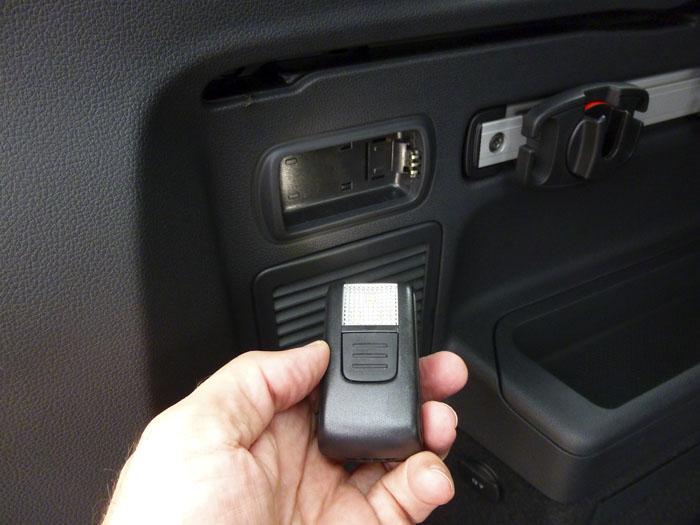 Volkswagen Touran. Linterna extraible.