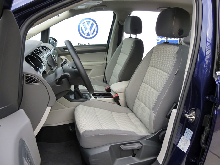 Volkswagen Touran. Asientos delanteros