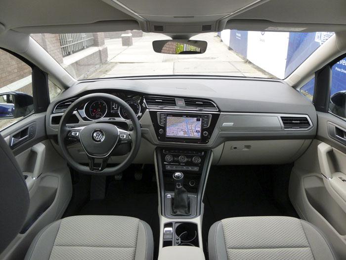 Volkswagen Touran. Salpicadero