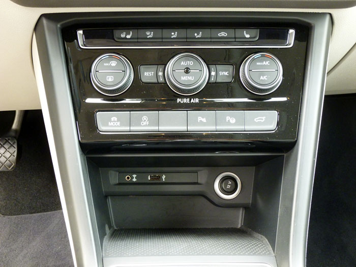 Volkswagen Touran Climatizados y conectores