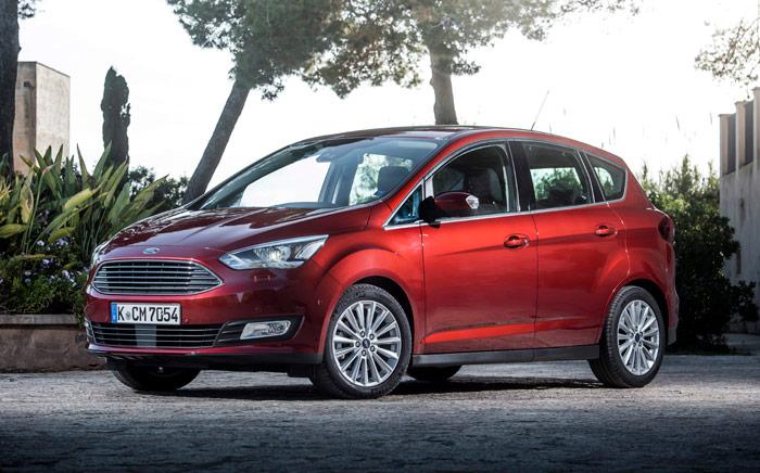 El C-Max es el más pequeño de los MPV europeos de Ford, y como en todos ellos, tiene un tratamiento individualizado de la zona final del acristalamiento lateral, que es la forma de personalizarlos uno respecto a los otros.
