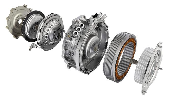 """Despiece del motor eléctrico del Panamera, con el embrague de desacoplaje situado entre él y el motor térmico, para permitir la navegación """"a vela"""" sin la retención del motor V6."""