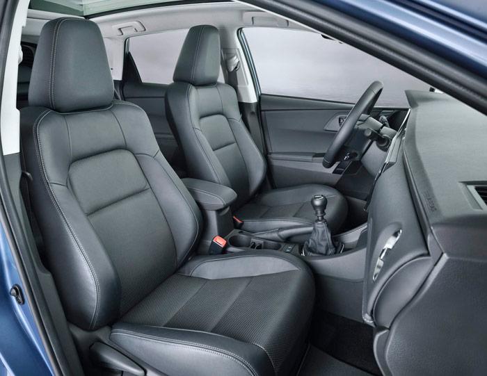 Los asientos (aquí en la opción de cuero) nos parecen excelentes, tanto por confort como por sujeción lateral.