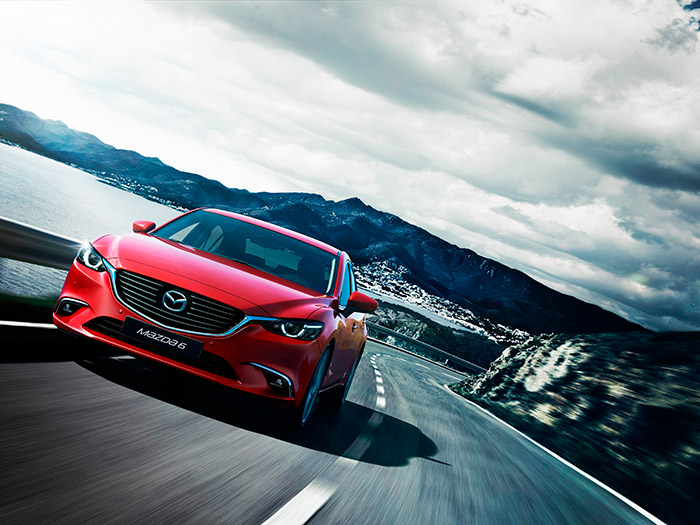 En su apariencia externa, el Mazda-6 de la actual generación apenas si ha sufrido variaciones desde que apareció en 2013.