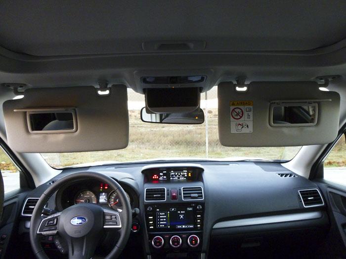Para los espejitos del Subaru Forester no hay iluminación.
