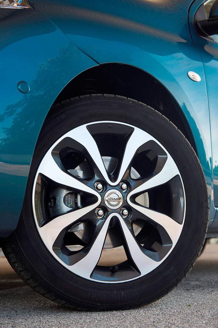 Aunque sin duda contribuye a darle prestancia, este neumático 185/55-16 es uno más de los factores causantes de que el consumo real del Micra 1.2-DIG-S no esté a la altura de lo que la tecnología de su motor permitiría esperar.